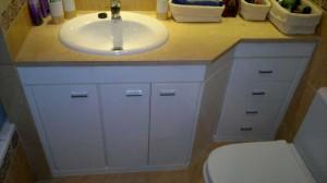 Mueble de baño en formica blanco