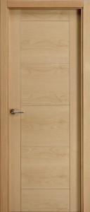 F7  puerta de madera de roble barnizada