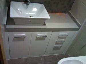 Mueble de baño en alto brillo